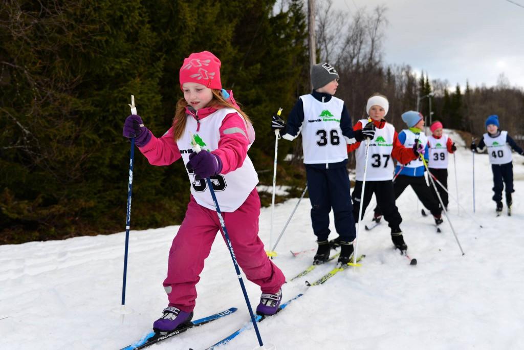 Barn som går Lavangsmesterskapet 2015